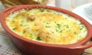 Куриные грудки в духовке в сливочном соусе